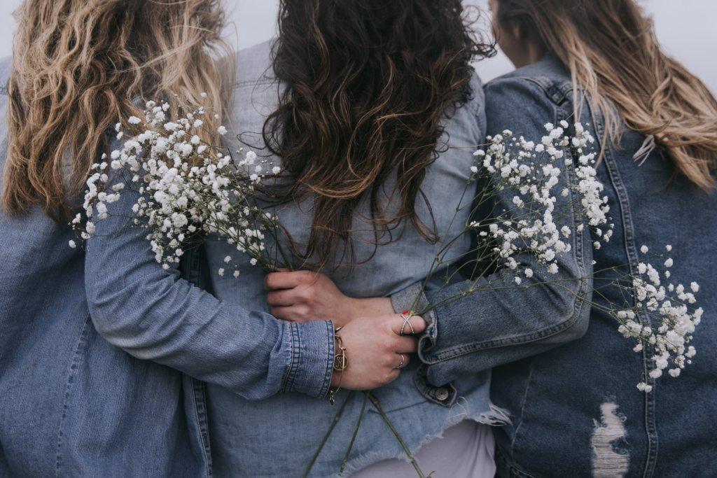 友だちのような一体感が生まれた女性3人