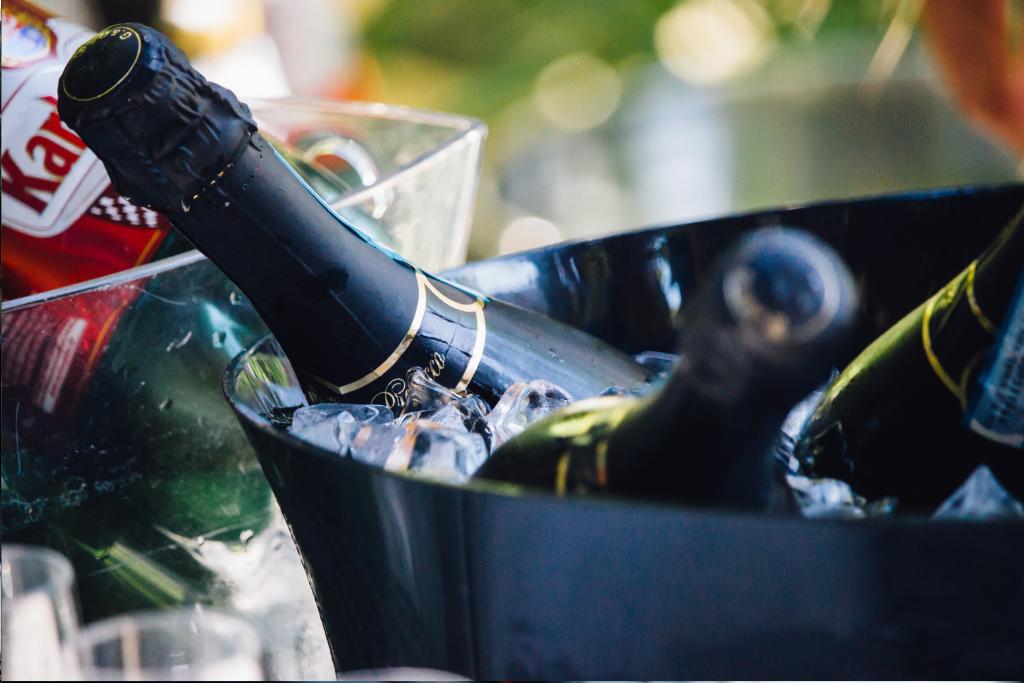 婚活BBQのスパークリングワイン