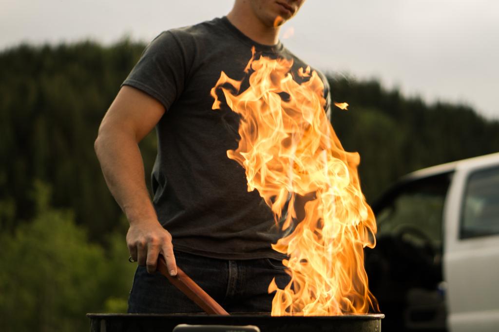 婚活BBQでお肉を焼いてくれる男性